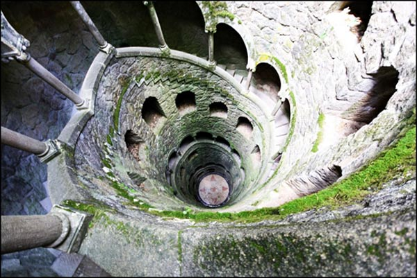 Masonic-Initiation-Wells-Quinta-da-Regaleira